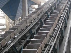 China LD Series Chain Bucket Conveyor Flexibly Arrangement Large Conveying Capacity supplier